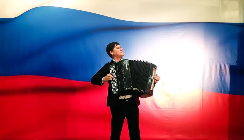 Поющий баянист Ульяновск